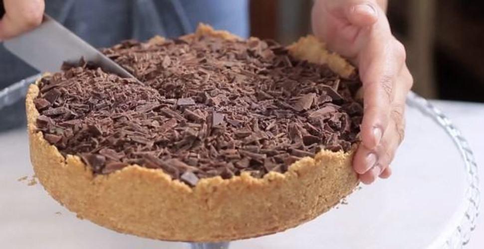 Muitas vezes Torta trufada de chocolate e leite ninho - Revista VerticalRevista  AX98